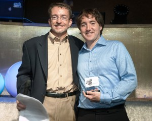 Photo of Pat Gelsinger (VMware) and Iain Moffat (UFIT) with award.